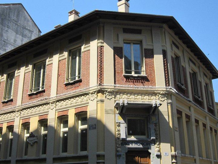 casa del quartiere fronte